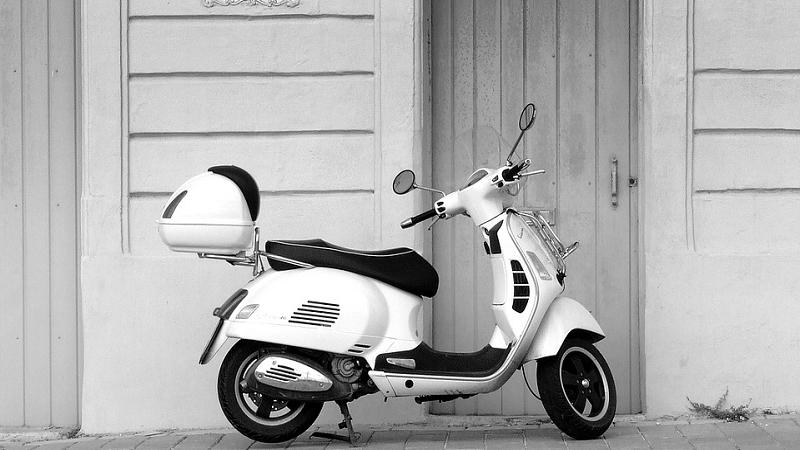 nouveau service de scooters en location news de conso. Black Bedroom Furniture Sets. Home Design Ideas
