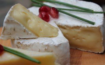 fromage sur une table