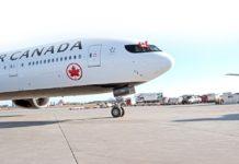 Un avion de Air Canada sur le tarmac d'un aéroport
