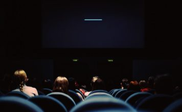Dans une salle de cinéma