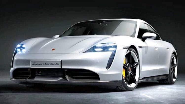 Un modèle à carrosserie blanche de la Taycan de Porsche