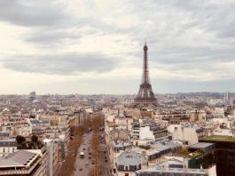 Photographie aérienne de l'Arc de Triomphe de l'Etoile, Paris, France.