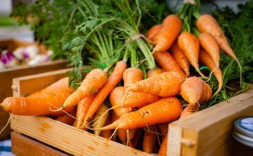 Des carottes sur un marché aux Etats Unis.